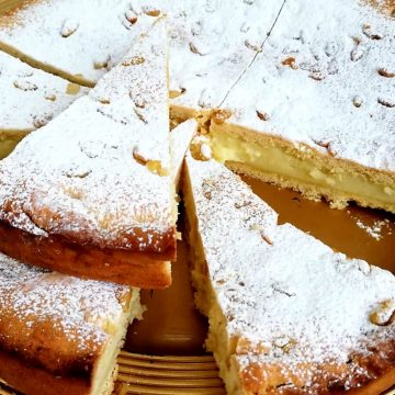 Torta della Nonna - Lemon tart with Pine nuts and icing sugar