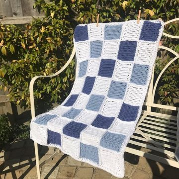 The Bassinet Blanket - cornflower blue and navy