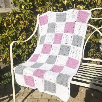 The Bassinet Blanket - lilac and grey