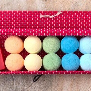 Rainbow Mini Bath Bomb Bamboo Gift Box