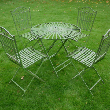 T44 Table and chairs