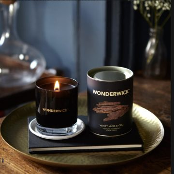 Velvet Musk and Oud Noir Crackle Glass Candle